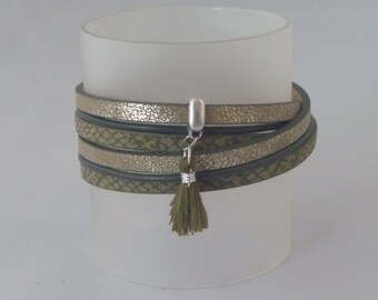 Turtle green wrap bracelet with a tuft