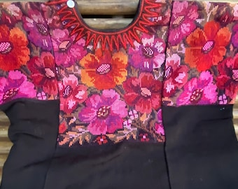 leather color Order custom made or weekender : choose Huipil Three weeks for your order Medium CDB