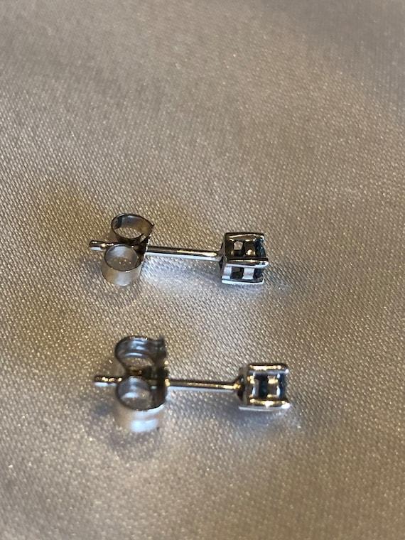 Blue diamond stud earrings - image 5
