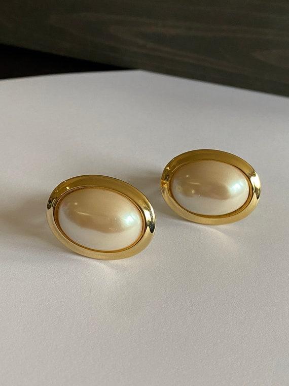Faux pearl vintage clip on earrings