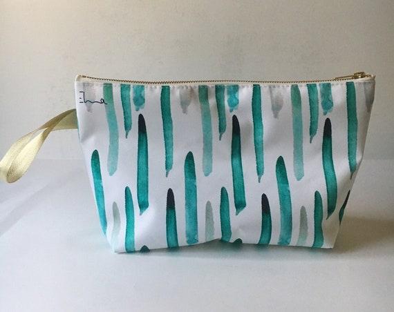 """Toiletry bag """"Feathers"""" - waterproof - printed exclusive Elma"""