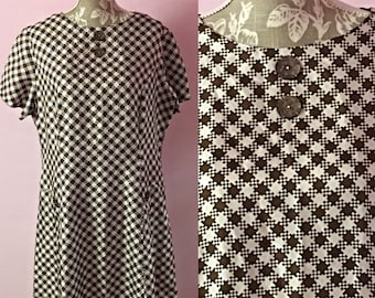 1950's 1960's  Berkertex dogtooth style Mod dress / brown and white vintage dress / XXL approximate size 22