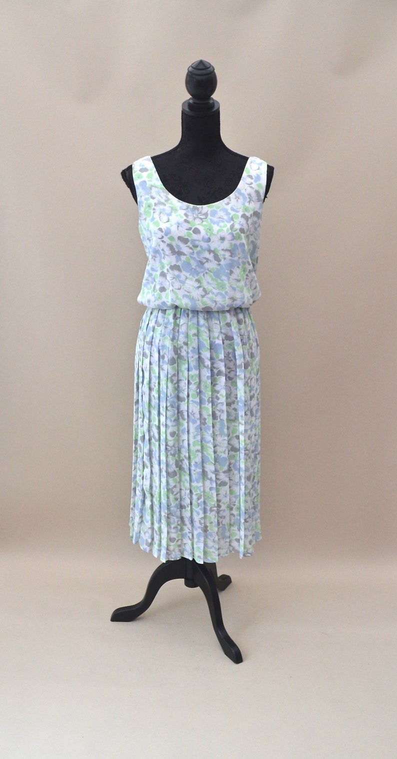 ca43f9e4a5 1980s summer dress with pleated skirt and elasticated waist   Etsy