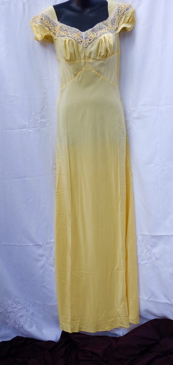 REDUCED Sunny yellow bias cut lingerie 1940s,silky