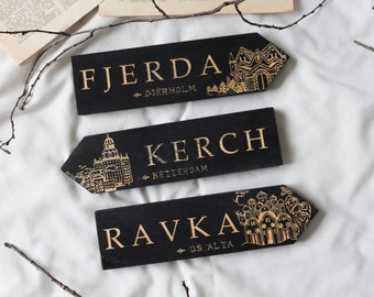 Grishaverse Individual Large Wooden Signposts, Fjerda, Kerch, Ravka, Shadow and Bone and Six of Crows inspired