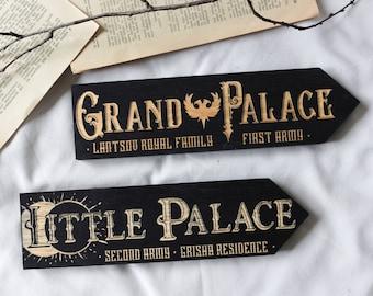 Grishaverse Individual Large Wooden Signposts, Grand Palace, Little Palace