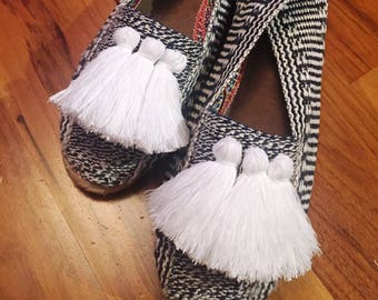 Size 6 & 7 UK  Women Espadrilles Slip On Flats Sandals with Tassel look