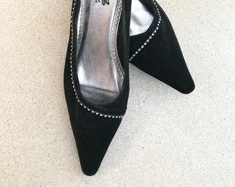 black velvet pumps low heel