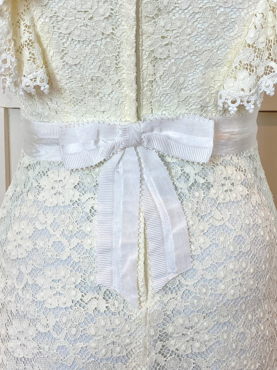 1970s vintage Victorian inspired off-white lace m… - image 4