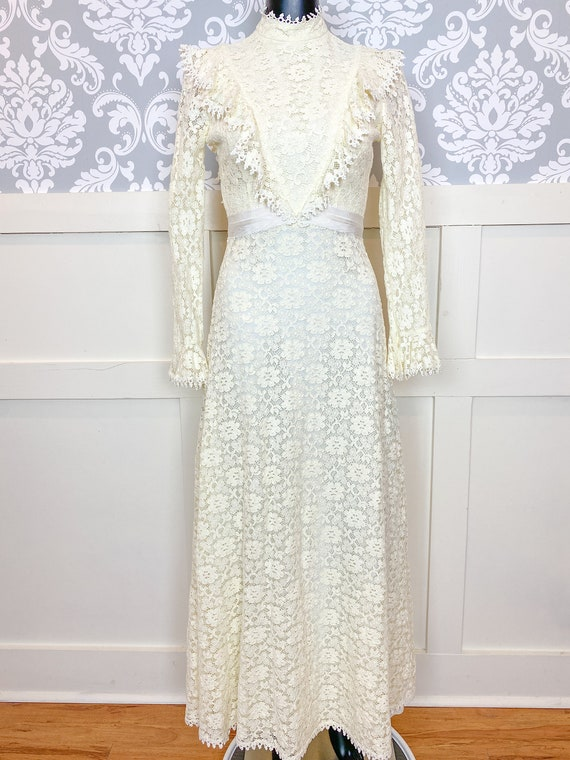 1970s vintage Victorian inspired off-white lace m… - image 1