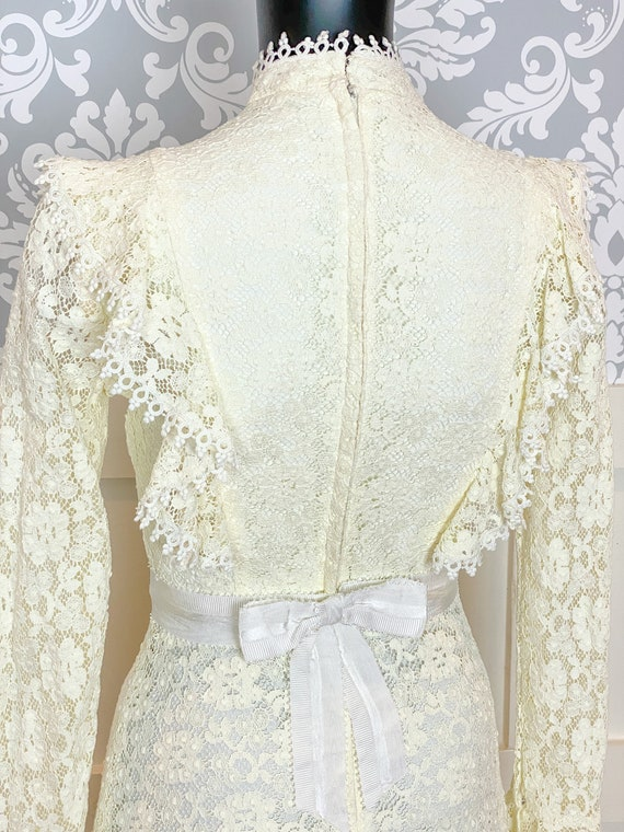 1970s vintage Victorian inspired off-white lace m… - image 6