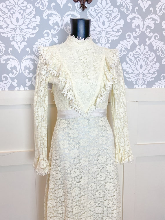 1970s vintage Victorian inspired off-white lace m… - image 2