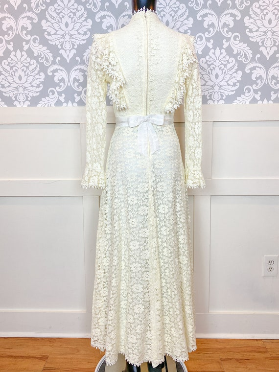 1970s vintage Victorian inspired off-white lace m… - image 5