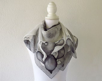 Square silk scarf with hand-painted grey indian figs
