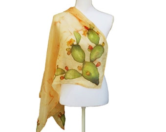 Square silk woman scarf with hand-painted indian figs