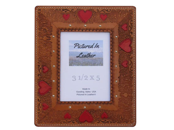 3-1/2x5 Leather picture frame, 3rd anniversary gift, heart picture frame, wedding frame, gift for boyfriend girlfriend, hand painted hearts