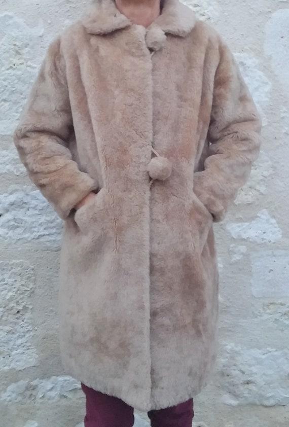 Vintage faux fur beige coat 1960 Beige faux fur vi