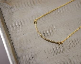 CHIC Chic Woman GUNGUN Chaine Gold Neck Pendant Pendant Curved Baguette Cross Set Gems Peredot Green Almond Gift Noel Luxury
