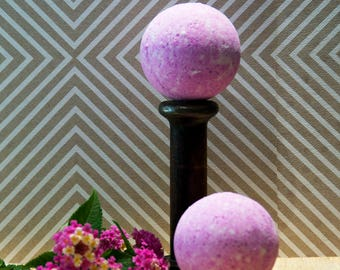 Juicy Pink Bath Bomb - Size Large