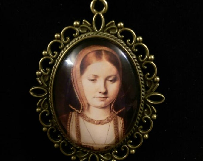 Catherine of Aragon Organza Ribbon Cameo Pendant Choker Necklace