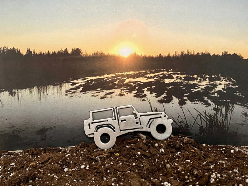 Jeep Wrangler JK 2 door keychain All Year Gifts For Him or Her