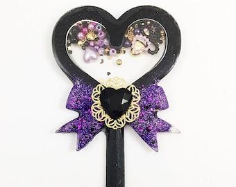 Black Heart Wand | Heart Brooch | Gothic Lolita Brooch | Shaker Charm | Halloween Wand | Lolita Pin | Magical Girl Wand | Mahou Kei Pin