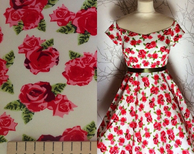 High quality cotton poplin, vintage roses on off white