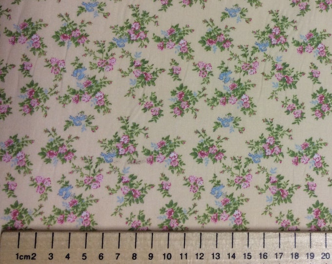 High quality cotton poplin, vintage English roses on soft yellow