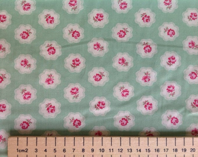 High quality cotton poplin, vintage roses print on pastel green