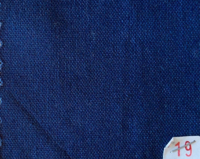 High quality soft cotton canvas dyed in Japan. Dark blue nr19