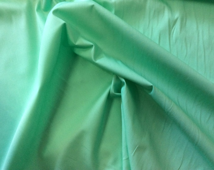 High quality cotton poplin dyed in Japan. pastell green no71