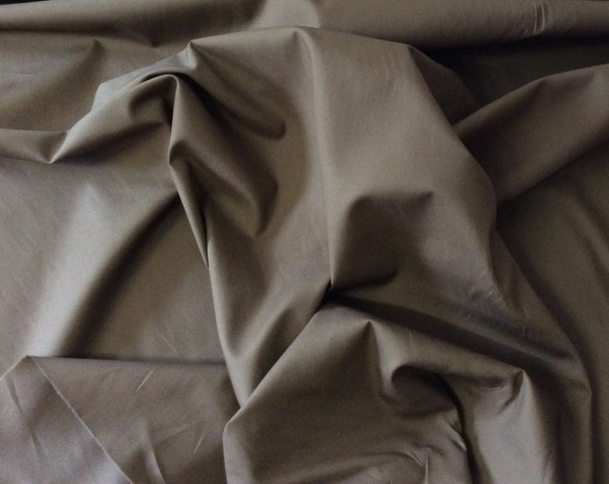 High quality cotton poplin dyed in Japan. Beigebrown no63