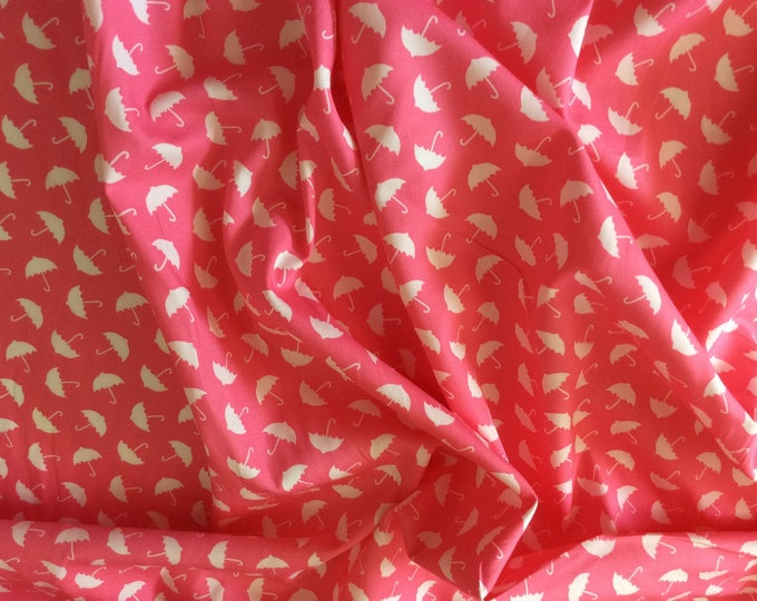 High quality cotton poplin, umbrellas on pink
