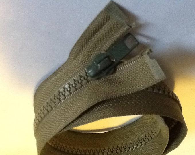 "Detachable, open end nylon zipper, 50cm (19-20""), khaki green"