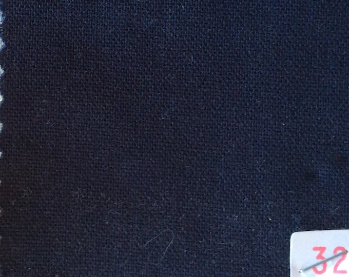 High quality soft cotton canvas dyed in Japan. Dark blue nr32