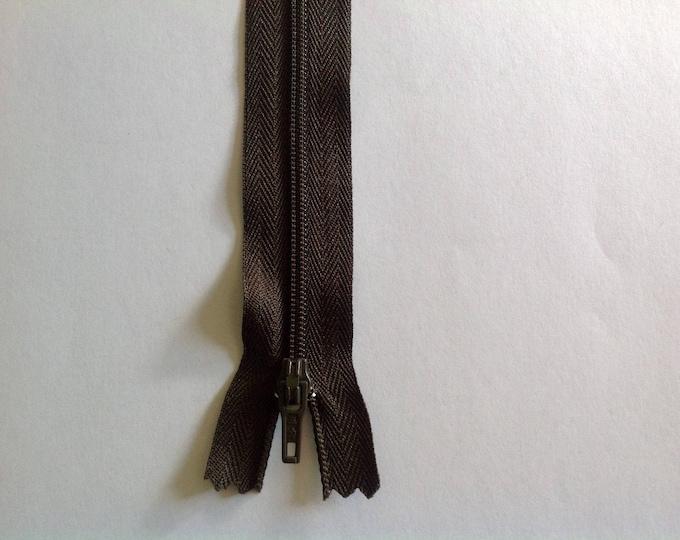"Nylon coil zippers, 20cm (8""), dark khaki"