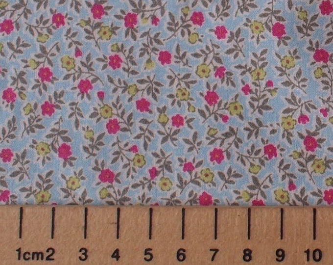 High quality cotton poplin, small floral print on blue