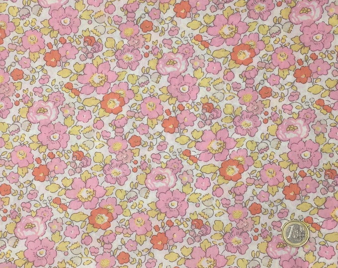 Tana lawn fabric from Liberty of London, exlusive Betsy Smoothie