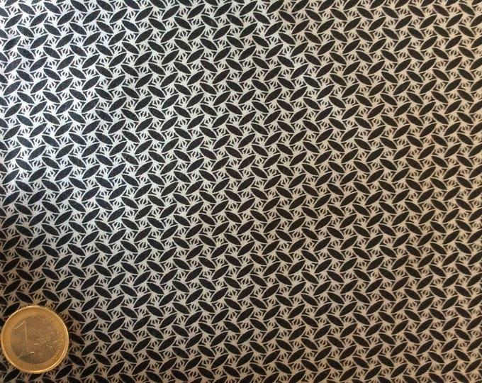 Japanese printed cotton poplin sold per 25cm, black/grey japanese print