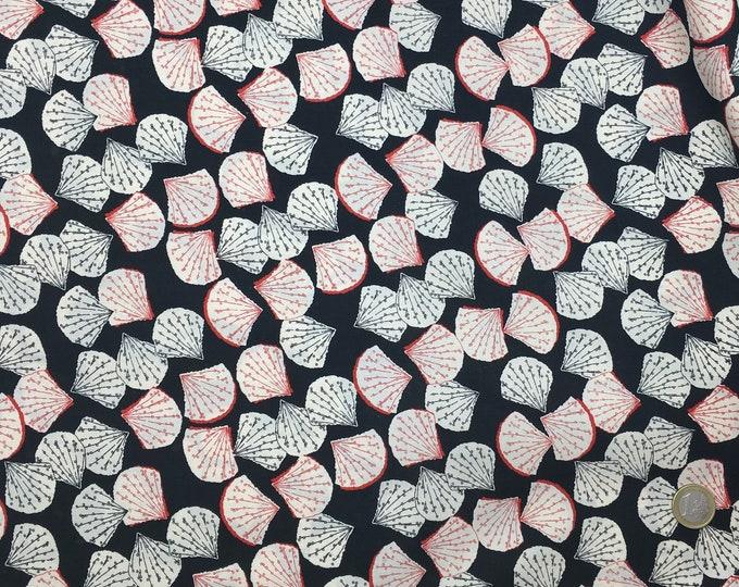 English Pima lawn cotton fabric, priced per 25cm, fans on black