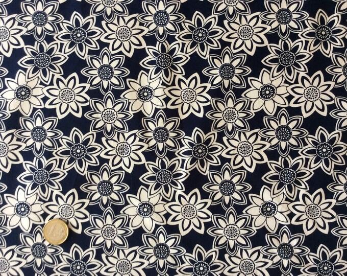 High quality cotton poplin, vintage floral print on navy