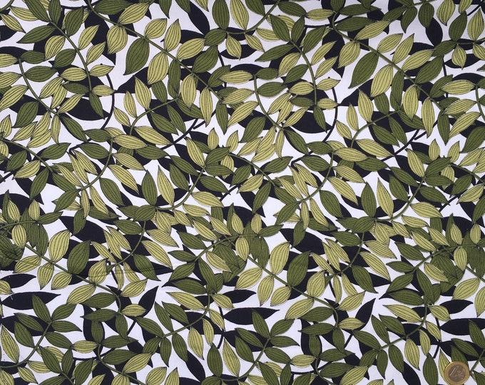 Cotton poplin with khaki foliage print on off white