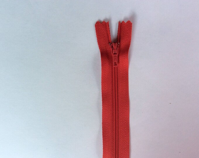 """Nylon coil zippers, 20cm (8""""), red"""