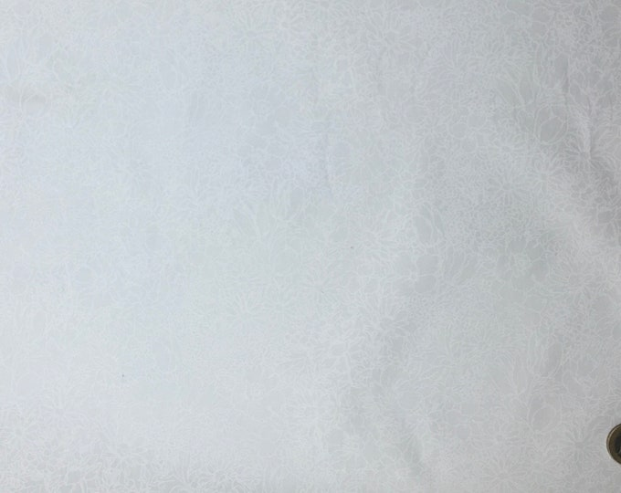 High quality cotton poplin dyed in Japan, natural white floral print