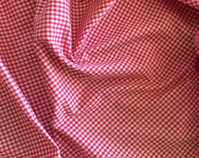 High quality Gingham polycotton poplin. Hot pink no28