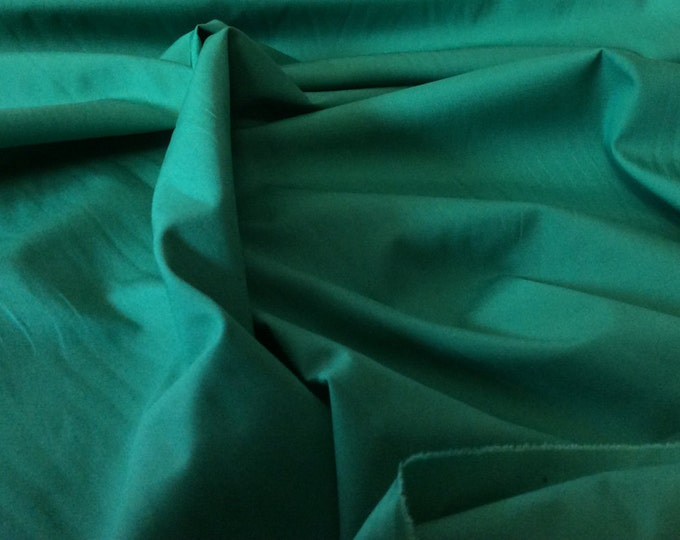 High quality cotton poplin dyed in Japan. Christmas green nr70