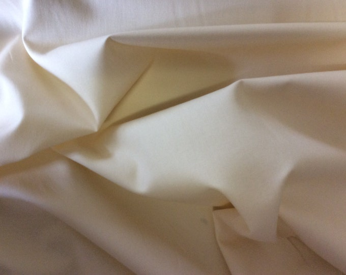 High quality cotton poplin dyed in Japan. Ivory no13
