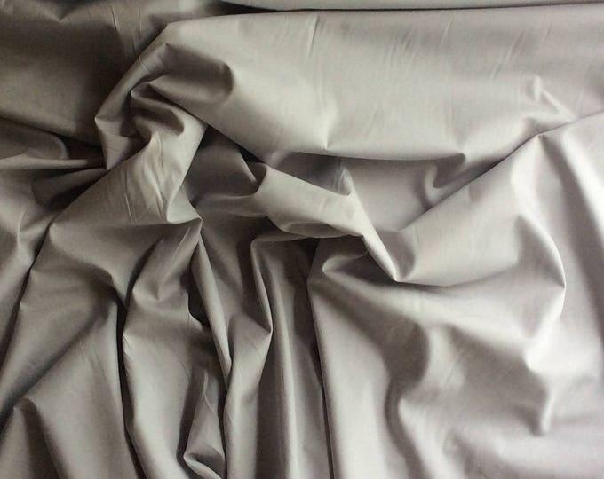 High quality cotton poplin dyed in Japan, light grey nr22