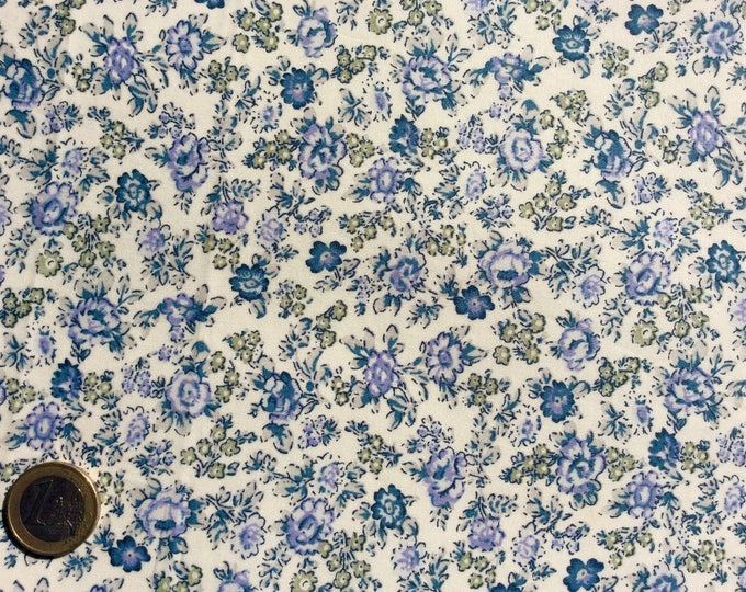 English Pima lawn cotton fabric, priced per 25cm. Blue old roses