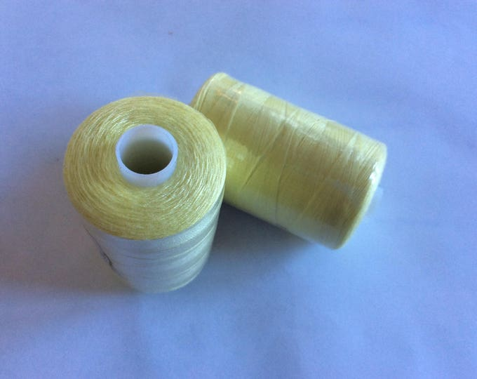 Sewing thread, 1000yds or 915m, pale yellow